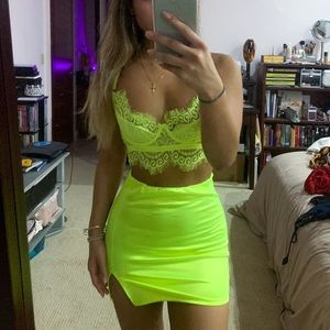 Laced neon set